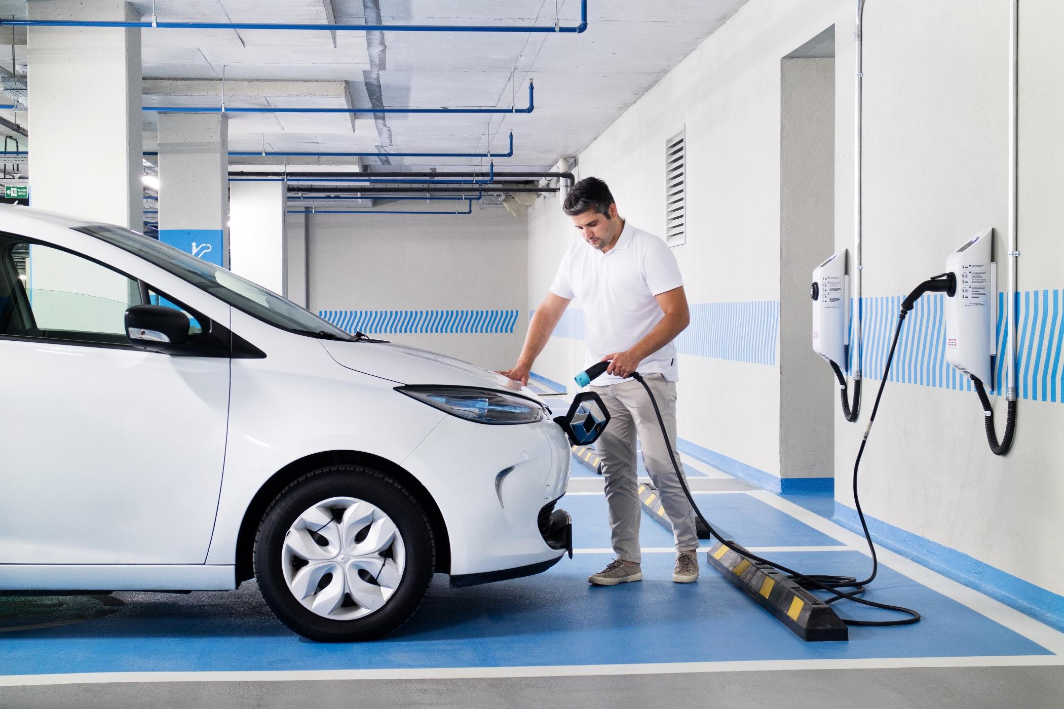 Zorlu Enerji'nin yeni nesil teknolojileri hayata geçiren markası ZES elektrikli araç şarj istasyonları, Piyalepaşa İstanbul'da hizmete girdi.